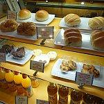 クロワッサンや菓子パンなど