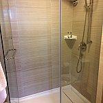 シャワールーム。水圧は「中の上」ってとこです。