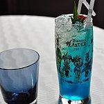 イースター限定のコレクタブルグラスです。注文するとこのブルーのノンアルコールカクテルが出て来ました😃さっぱりしていて美味しかったです!