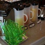 ジュース類はブッフェ台にありますお好きなものをどうぞ♪