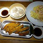 これが海老と卵チャーハン定食(108元)。どれもすごく美味しかった!日本人でも安心して食べられます。