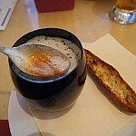 ジャガイモのコールドスープ、トマトソース