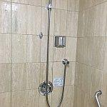シャワーは可動式