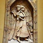アナとエルサの彫刻