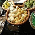 SNS映えがしそうな可愛いパンたちです!左からニンジンパン、豆乳パン、トマトパン、ほうれん草パン
