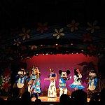 ミッキー、ミニー、チップ、デール、クラリスの5キャラクターが登場します。