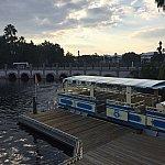 Disney Springsまではボートでいけます。