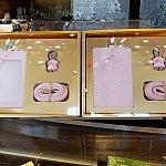スターバックスオリジナルカードケースとくまのチャームセット。115元 こちらも日本未発売です。