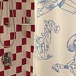 シャワーカーテンがトイストーリー柄でめっちゃかわいいです🍀なんと、リンスインシャンプー類が、H2Oブランドではなくなってしまいました(涙)