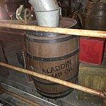 キューラインにアラジンのランプ用のオイルの樽がありました!