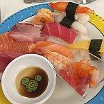 お寿司🍣とお刺身がお気に入りです💕