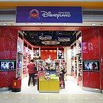 第2ターミナルのディズニーストア。こちらは狭くて、小さい子向けの商品が多いです。
