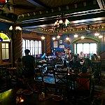 2つ目の部屋は「Jungle Room」です。こちらは薄暗くて雰囲気がいいと思います。この部屋のランプはチキルームの様なデザインです。