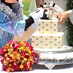 ケーキのドットの部分はミッキーシェイプです♪
