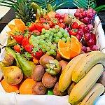 フルーツ盛り合わせの種類も多い♪