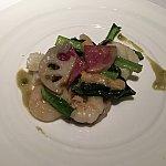 海老とイカと季節の野菜の炒め 山葵風味。ピリッとしていて食べやすいです