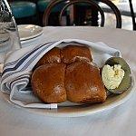 最初に出てきたパン、バターの方がおいしいって印象に残っています。