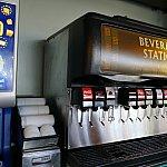 外のステーションでお飲み物を補充することができます。
