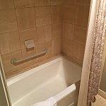 浴槽です。浅いですが,思ったより広かったです。