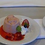 季節のムースはドナルドのストロベリームース。めっっちゃ美味しそう!!!ゲストに大人気でした!