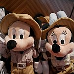 【アドベンチャーアイル】探検家ミッキーとミニー。各139元、2400円弱。