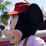 Red Car Trolley News Boys トーキング・ミッキーの目の隙間から青空が見えます(笑)!