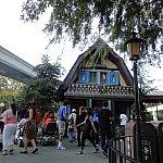 エーデルワイス・スナックの向かいにはマッターホーン・ボブスレーがあります!