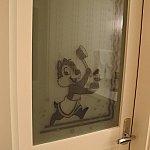 バスルームのドア