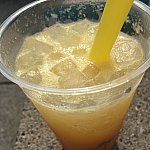 オレンジサワーホワイトドリンク。オレンジが底に沈んでました😢中のぷにぷにがたまりません。