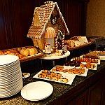 充実のパンコーナー。お菓子の家が可愛かったです♡