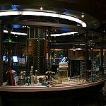 いきなり基地の中の研究所のようなところに場面が変わりました。ダイナソーのキューラインに雰囲気が似ていました。