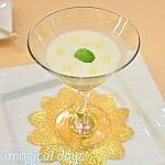 桃の冷製スープ カモミールのゼリーと共に