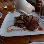 お肉どーん!!1番大きいお肉食べたあとですが…(笑)