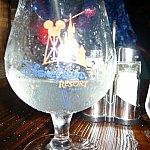 グラスの絵柄はディズニーランドパリ
