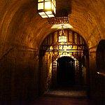 キューラインは砦の地下牢を歩きます