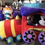 列車のなかにミッキー&ミニー
