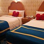 ドナルドデザインのベッドです。トランドルベッドを出すことも出来ましたよ。