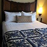 ベッドのフットスローにミッキーが♡
