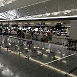 セントレアの香港エクスプレス航空チェックインカウンター。2時間前でこのガラガラ感…!!