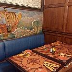 ディズニーシーのマゼランズのワインセラールームの雰囲気と似ていると言われています。僕は2回の訪問で2回共この部屋のテーブルに案内されました。
