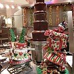 内装もとってもかわいくクリスマススイーツでデコレーションされています。