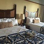 お部屋。ベッドが高く、子供が1回落ちて飛び起きました…(´-ω-`)ベッドガードは無いので、椅子などでガードした方が良いです。