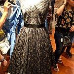 さて、今回のレポートの一番の注目のホーンテッドマンション ドレス。お値段は$118。