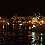 お散歩ロードの夜景。こちらはヨットクラブですね