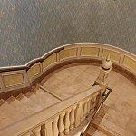 階段を登るとバンケットホールがあります。
