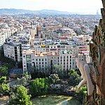 少し突き出したテラスからバルセロナの街を一望。