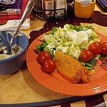 野菜は生野菜のみです。トマトが固かった。