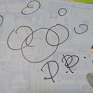 ダッフィーのサイン。