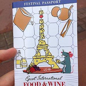無料で配布されるFestival Passport。これがあると便利です。何処のブースで何が提供されているかわかります。