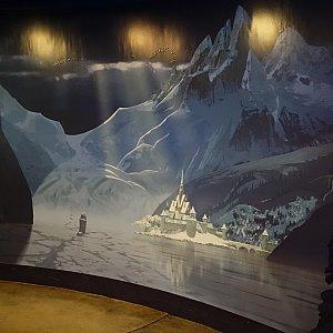 入口にはアレンデール城の壁画が描かれてました。